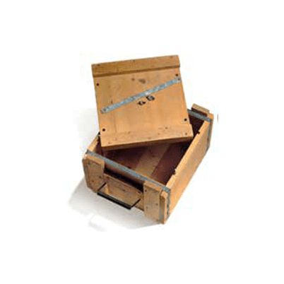 During World War II, Andersen again dedicated its manufacturing prowess to building Stout Houses and ammunition boxes for the U.S. military.