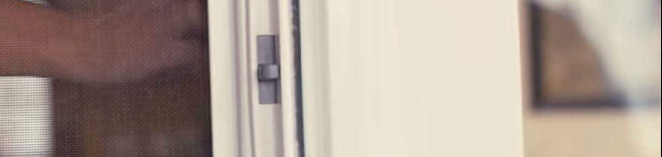 Andersen LuminAire Retractable Screen Door Video