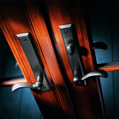 400 Series hinged door hardware