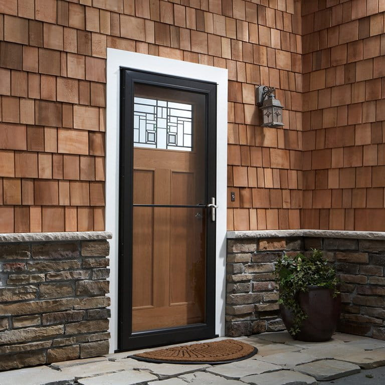 Attirant 8 Series Retractable Screen Storm Door